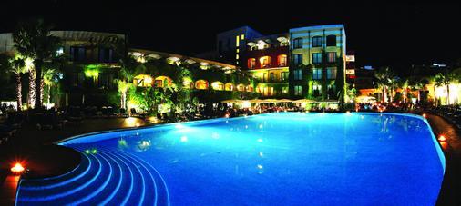 Hotel Caesar Palace - Giardini Naxos - Pool