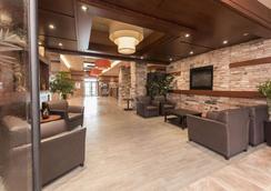 Quality Inn & Suites - Lévis - Σαλόνι ξενοδοχείου