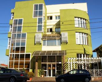 Hotel Regat - Piteşti - Building