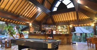 Hotel Vila Lumbung - Κούτα - Bar