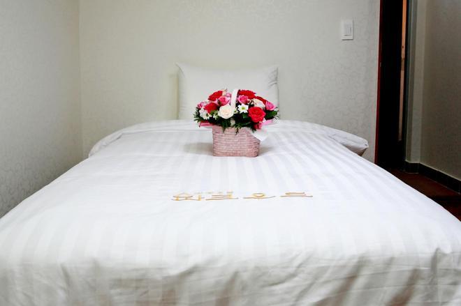 巴克伍德酒店 - 仁川 - 臥室
