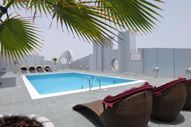 Al Raya Suites - Manama - Pool