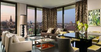 Uptown Palace - Milan - Living room