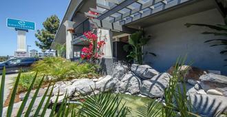 Continental Inn - Santa Cruz - Outdoor view
