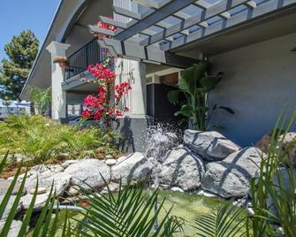 Continental Inn - Santa Cruz - Vista del exterior