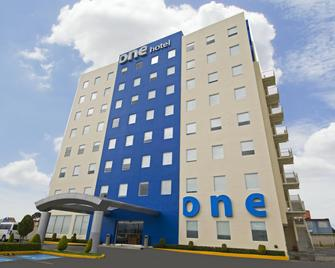 One Toluca Aeropuerto - Toluca - Building