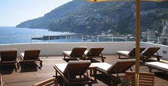 Hotel Marina Riviera - אמלפי - מרפסת