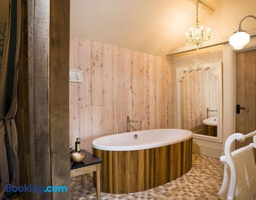 The Fox Inn by Greene King Inns - Bury St. Edmunds - Bathroom