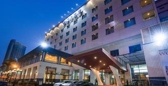 Hotel Tainan - Tainan - Rakennus