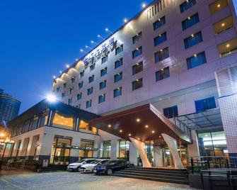 Hotel Tainan - Tainan - Building