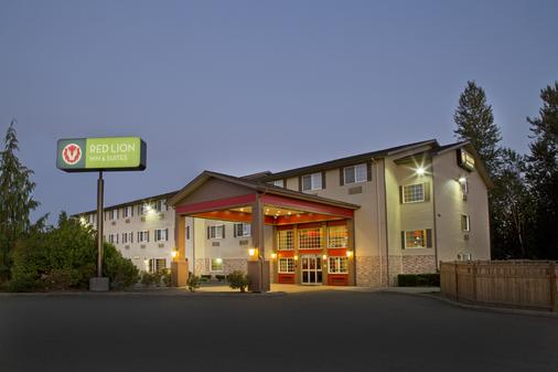 Red Lion Inn & Suites Kent Seattle - Kent - Building