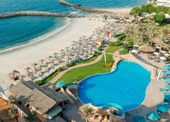 Coral Beach Resort - Sharjah - Sharjah - Zwembad
