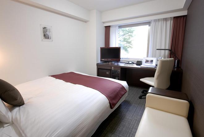 新橫濱大和roynet飯店 - 橫濱 - 臥室