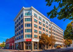 Best Western Plus Carlton Plaza Hotel - Victoria - Edificio