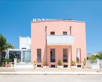 Hotel Corallo - Каровиньо - Здание