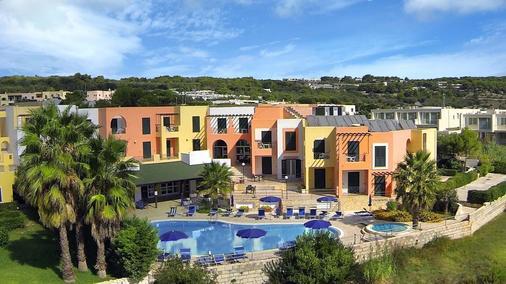 Hotel Club Alizé - Santa Cesarea Terme - Building