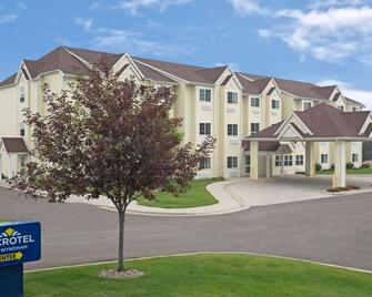 Microtel Inn & Suites by Wyndham Cheyenne - Cheyenne - Building