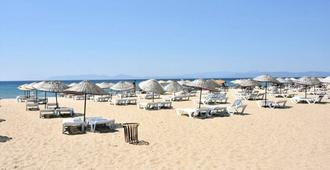 Varol Otel - Ayvalik - Beach