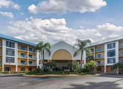Comfort Inn & Executive Suites - Naples - Gebäude