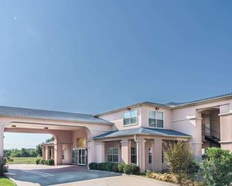 Super 8 by Wyndham Greenville - Greenville - Building
