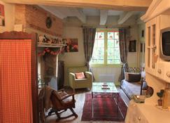 Relais De La Mirpe - Bergerac - Living room
