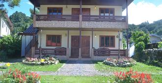 Hostal Doraz - Boquete - Gebäude
