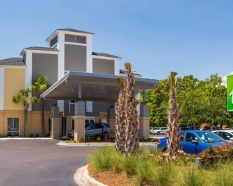 Holiday Inn Express Charleston - Charleston - Building