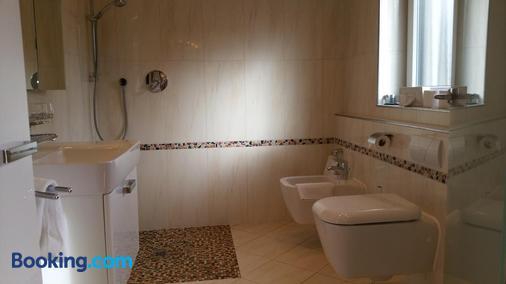 Landhaus Sassenhof - Mülheim - Bathroom
