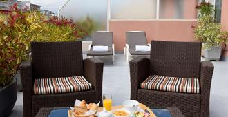 Best Western Astoria - Antibes - Patio
