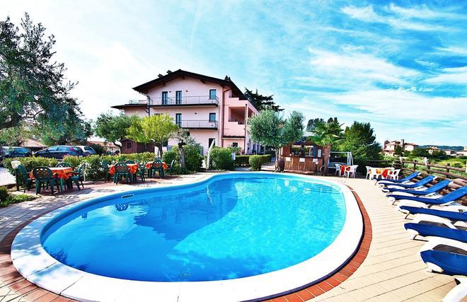 Residence Bellavista - Manerba del Garda - Piscina