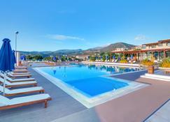 Miramare Resort & Spa - Agios Nikolaos - Piscina