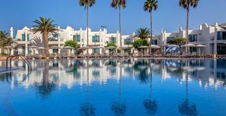 科拉萊霍巴塞羅沙灘酒店 - 科拉雷侯 - 游泳池