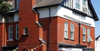 Ivanhoe Guest House - ברידלינגטון - בניין