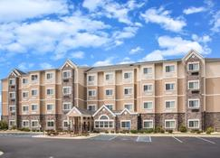 Microtel Inn & Suites by Wyndham Opelika - Opelika - Edificio