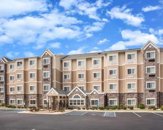 Microtel Inn & Suites by Wyndham Opelika - Opelika - Building