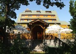 Hotel Partyzán - Chomutov - Building