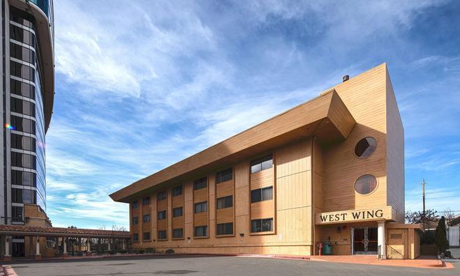 Peppermill Resort Spa Casino - Reno - Building