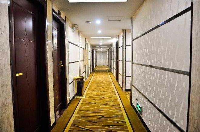 Konggang Hotel - Cantón - Pasillo