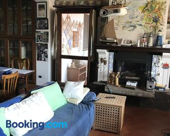 Case del Tramonto - Ustica - Living room