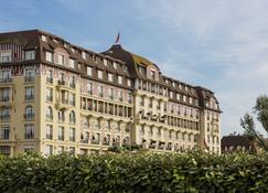 Hôtel Barrière Le Royal Deauville - Deauville - Building