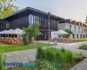 Eva Park Life & Spa - Konstancin-Jeziorna - Edificio