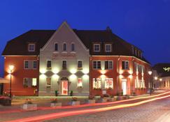 Der Insulaner - Hotel & Restaurant - Lenz - Gebäude