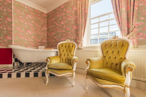 Swan Quay Inn - Faversham - Living room