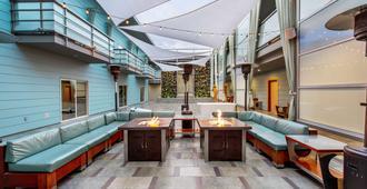 Shade Hotel - Manhattan Beach - Salon
