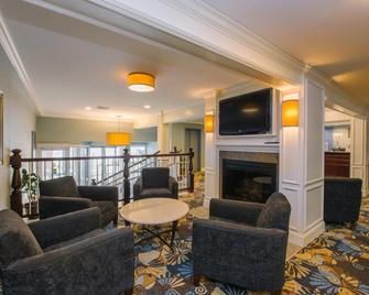 Holiday Inn Express & Suites Merrimack - Merrimack - Вітальня
