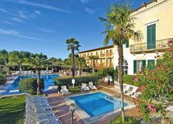 Villaggio Albergo Hotel Antico Monastero - Toscolano Maderno - Pool