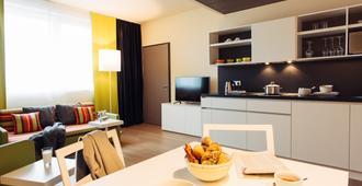 Harry's Home Hotel München - Munich - Dining room