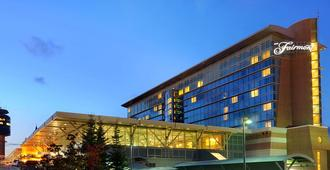 Fairmont Vancouver Airport In-Terminal Hotel - Richmond
