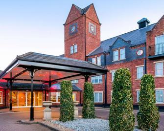 The Park Royal Hotel - Warrington - Building