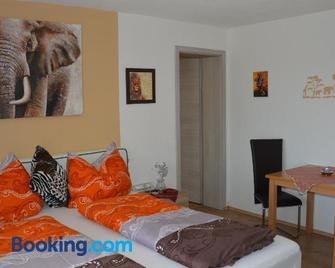 Gästehaus Schmid - Grossklein - Bedroom